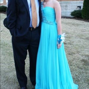 Turquoise Sherri Hill prom dress